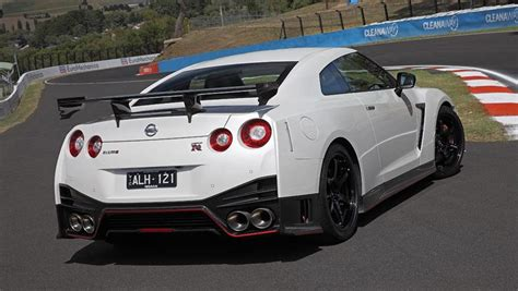 2017 Gt R Nismo by Nissan Gt R Nismo 2017 Review Carsguide