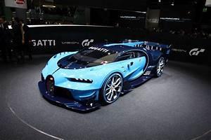 Bugatti Vision Gran Turismo filmed with engine on in