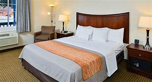 Monterey hotel rooms with coastal vibe comfort inn for Comfort inn bedding