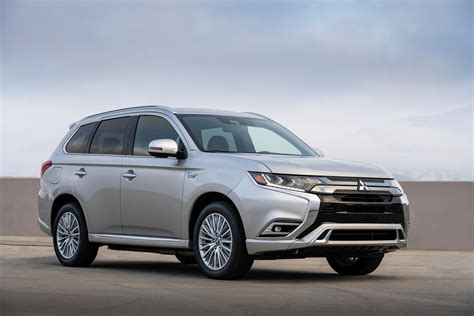 mitsubishi outlander phev review trims specs