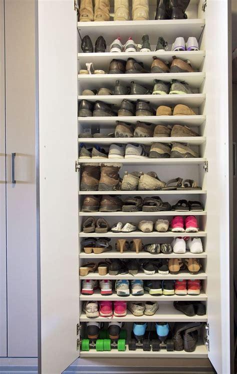Shoe Rack Garage by Best 25 Garage Shoe Storage Ideas On Mud Room