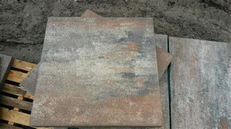 betonplatten 50x50x5 preis betonpflaster betonplatten smartton wave 60x60x6 kilimanjaro muschelkalk impr 228 gnierte oberfl 228 che
