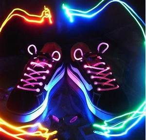 China LED Light up Shoelaces China Led Shoelaces Led Gift