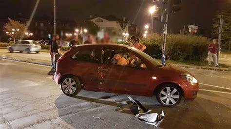 auchan si鑒e auto robbiate scontro tra un 39 auto e un all 39 incrocio semaforico merateonline