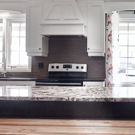 cache cuisine cuisines beauregard cuisine réalisation 360 élégantes armoires de cuisine dans un décor