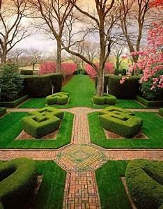 Knot Garden, Gardens at Glen Burnie, Winchester, VA: Ron ...