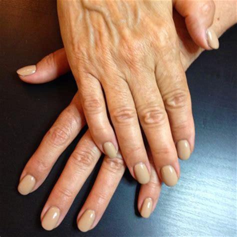 faux ongles couleur faux ongles pour ou contre