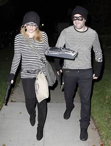 Pregnant Hilary Duff and Husband in Robber Costumes ...