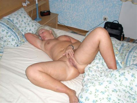 A Perfect Butt Of A Short Gray Hair Sexy Granny  Porn
