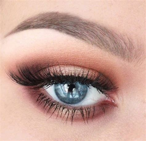Comment maquiller les yeux verts