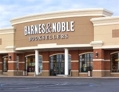 Why Are Barnes And Nobles Seeking Smaller Stores?
