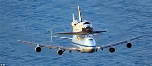 Est100  U4e00 U4e9b U651d U5f71 Some Photos   Shuttle Discovery   747 Carrier