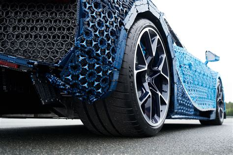 Lifesize Lego Technic Bugatti Chiron Hiconsumption