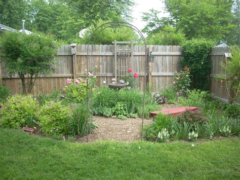 Landscape. Small Garden Design Landscaping Ideas: small