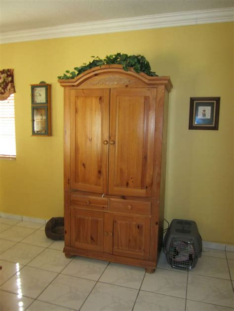 Broyhill Entertainment Armoire Broyhill Fontana Armoire Entertainment Center Local