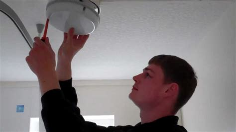 how to change your bathroom light bulb