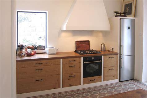 cuisine en cuisine en chêne massif rustique hegenbart
