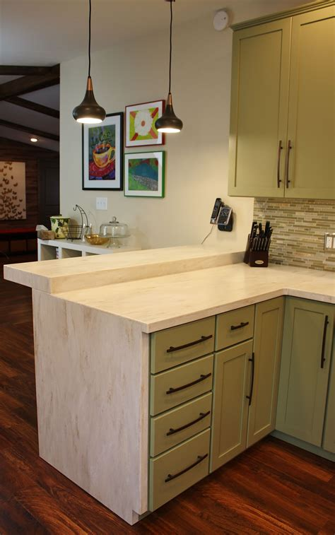 Corian Edge Kitchen Seattle Shaker Cabinets Corian