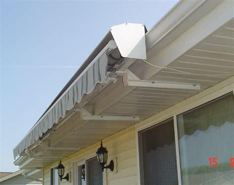 retractrable awnings