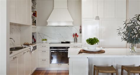 uncover  secrets  hamptons kitchen style home