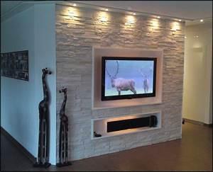 Steinwand Wohnzimmer Tv : steinwand wohnzimmer ideen ebenfalls schick garten akzent ~ Bigdaddyawards.com Haus und Dekorationen