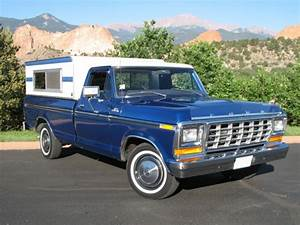 1998 Ford E-150 - Overview