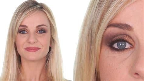 comment maquiller des yeux bleus comment maquiller ses yeux bleus focus