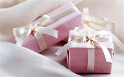 Gifts Background Images Hd by Gift Box S Wallpaper 1920x1200 79345