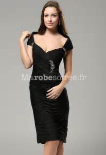 robe de demoiselle d honneur pour un mariage robe noir bustier plissé près du corps en mousseline chic et classe