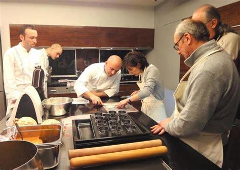 ecole cuisine alain ducasse l 39 école d 39 alain ducasse à a accueilli olivier nasti