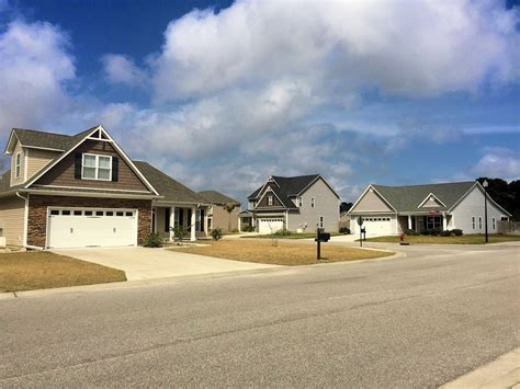 woodlake homes for in wilmington nc the cameron team 856   Woodlake Streetscape 4