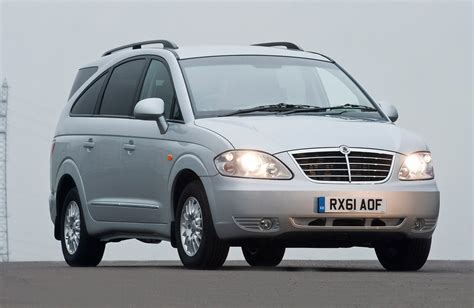 ssangyong rodius estate review   parkers