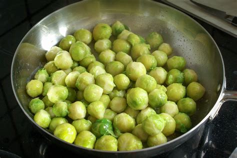 cuisiner des choux de bruxelles frais cuisson des choux de bruxelles recette de choux de