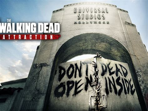 "Let us know what you think of the new walking dead attraction at universal studios hollywood in the comments below! ""The Walking Dead"" en Universal Studios Hollywood ..."