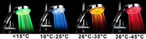 Pommeau De Douche Lumineux : douche lumineuse cadeau design sur logeekdesign ~ Dode.kayakingforconservation.com Idées de Décoration