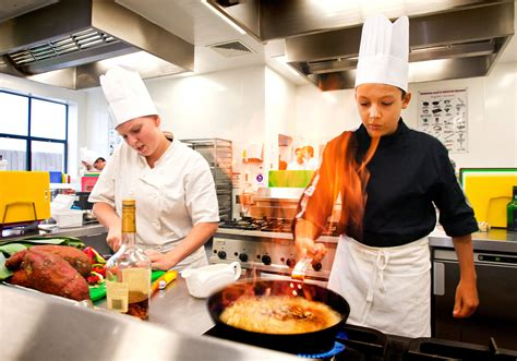 chef de cuisine salary how to become a chef chef qualifications