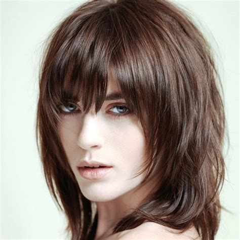 29 sassy medium layered haircuts to look elegantly outstanding