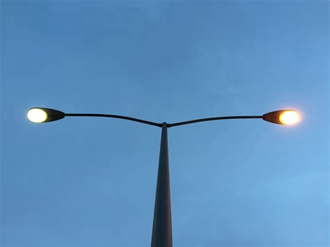 File:2015-02-14 06 38 26 Street light post with both ...