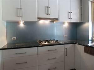 Metallic splashbacks kitchens indelinkcom for Interior design kitchen splashbacks