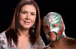 Wwe Wrestlers Profile: Superstar Rey Mysterio With His ...