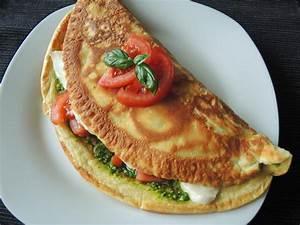 Tomate Mozzarella Rezept : eierpfannkuchen mit tomate mozzarella und pesto chilirosen ~ Lizthompson.info Haus und Dekorationen