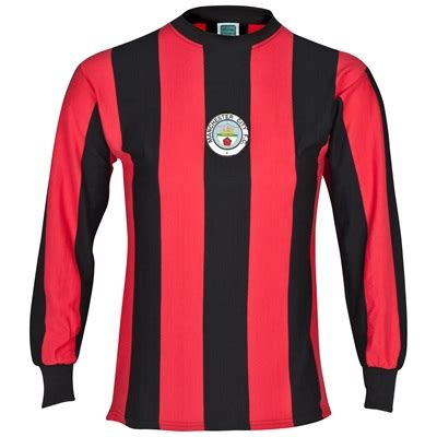 We at manchester city football club are immensely proud of the steadfast support of our fans and we remain committed to working closely with them in order to further our footballing ambitions. Buy Retro Replica 1970s Manchester City old fashioned ...