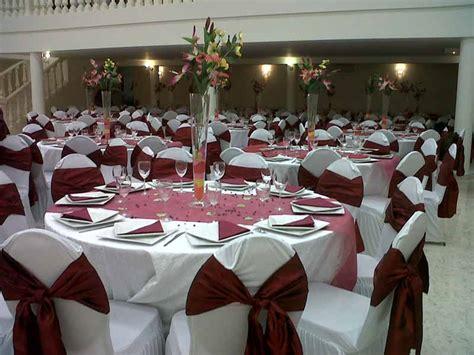 decoration salle mariage ivoire  bordeaux