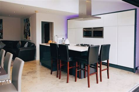 Stunning Central Luxury House, 4 Bedrooms, Parking