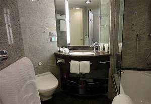 Oceania riviera review with pictures allcruisehotelscom for Riviera bathrooms