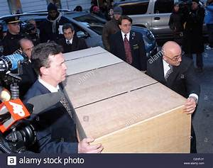 The casket of actor Heath Ledger is taken out of The Frank ...
