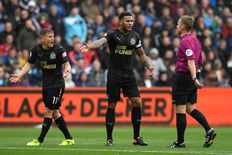 Jamaal Lascelles reveals the Newcastle United player who ...