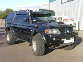 modified cadillac cts mitsubishi pajero sport 2 5 td gls photos and comments picautos com