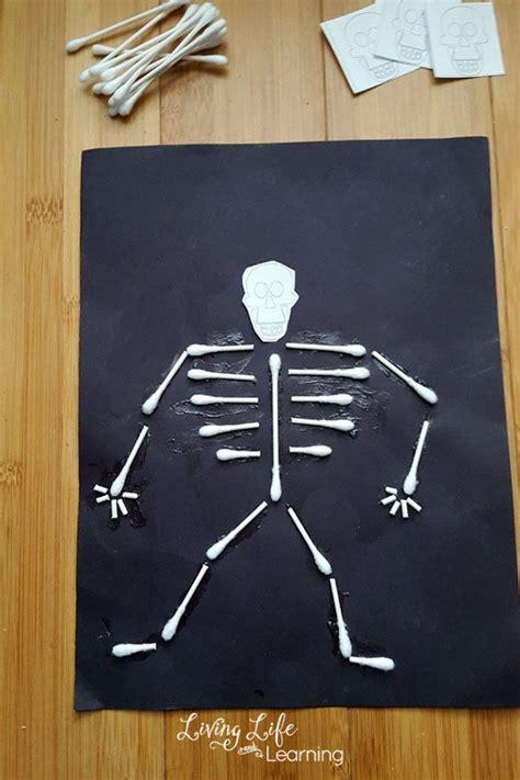 best 25 skeleton craft ideas on 124 | 8ff58b10dd461ac9615fda89750041c4 skeleton craft craft kids