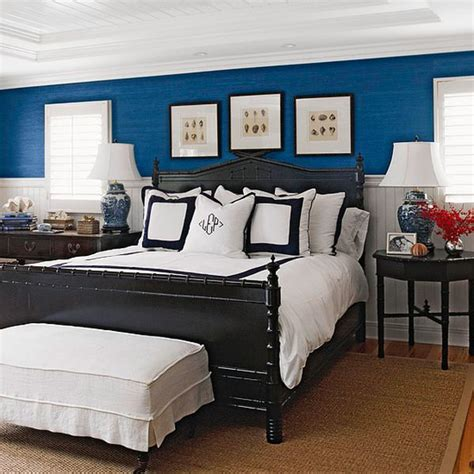 rooms  create  navy blue walls